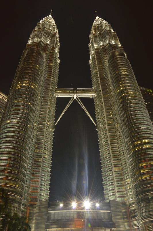 "Petronas Twin Towers (""dvojčka"")"