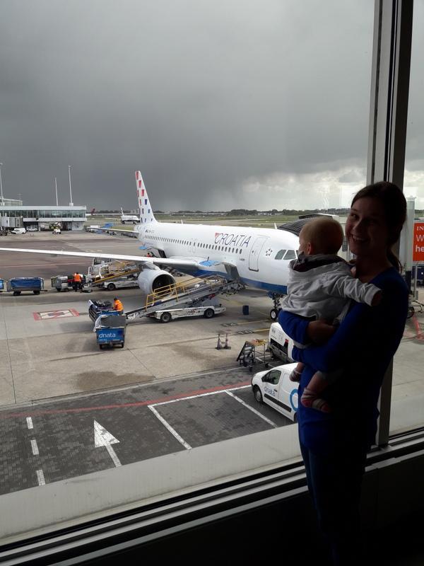 Na letalo z dojenčkom – nasveti