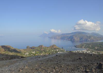 Vulcano, pogled iz vrha na sosednje otoke