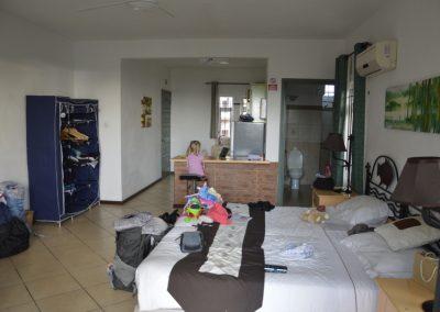 Apartma je bil preprost in ravno prav velik za nas